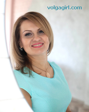 Ekaterina  is a 41 year old Russian girl who has registered with mail order bride agency A Volga Girl in the hopes of receiving email correspondence from you.